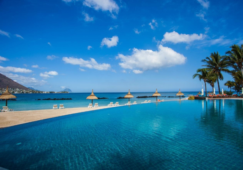 4* Sands Suites Resort & Spa Mauritius - 5 Nights